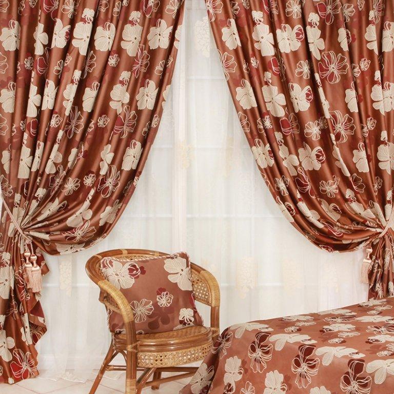 Платье из портьерной ткани